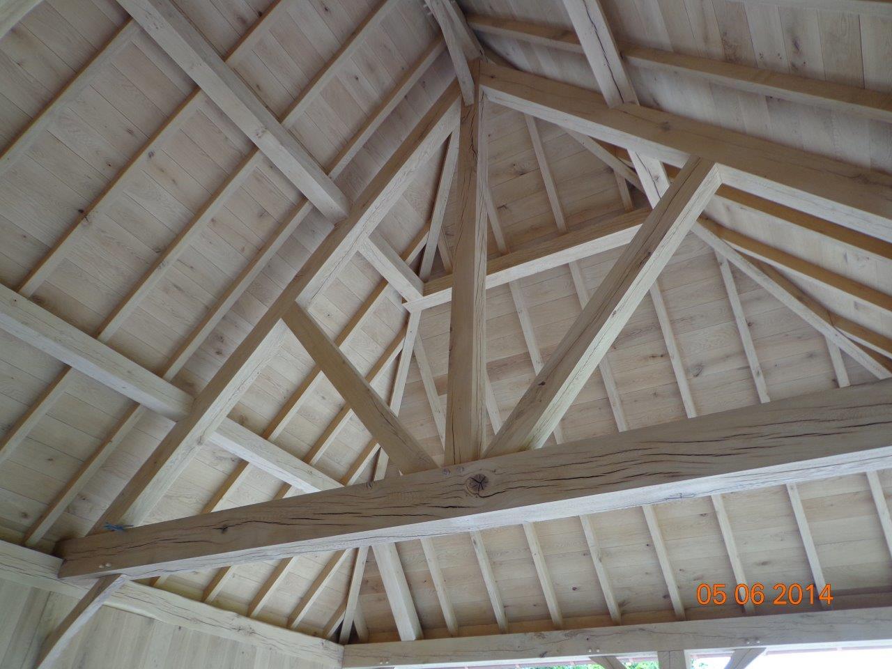 Keuken houten gebouw raum und m beldesign inspiration - Scheiding houten ...